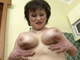 Бабы с большими сиськами порно онлайн